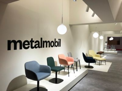 1-Metalmobil-Stand